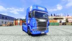 Skin V8 Topline on the tractor unit Scania