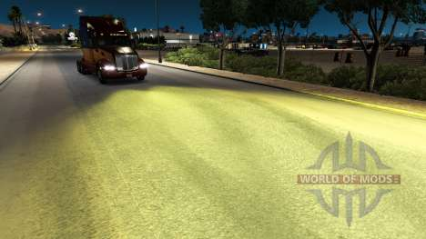 The yellow light v1.1 for American Truck Simulator