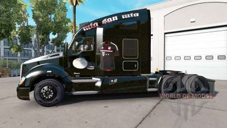 Skin FC Bayern Munchen on a Kenworth tractor for American Truck Simulator