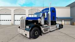 Skin Black and Blue on the truck Kenworth W900