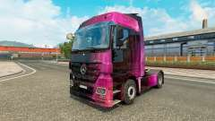 Skin Weltall on the tractor unit Mercedes-Benz